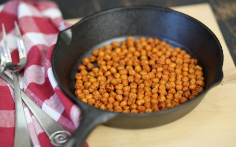 spanish oven-fried garbanzos